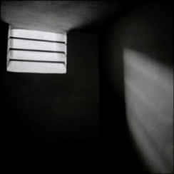 solitaryconfinementcellauschwitz_1